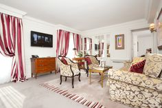 With the Penthouse enjoy the comforts of a large living room in a luxurious space.