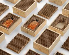 Honey Packaging, Food Packaging Design, Bottle Packaging, Packaging Design Inspiration, Branding Design, Product Packaging, Honey Bottles, Honey Jars, Honey Logo