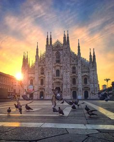 Milan, Italy / @riddhisinghal6