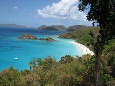 Baía Trunk, na Ilha de Saint John, Ilhas Virgens Americanas. Praia imperdível.  Fotografia: http://www.aprendizdeviajante.com