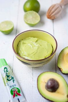 Wedges with avocado-wasabi dip Wasabi Recipes, Avocado Recipes, Chutneys, Healthy Eating Recipes, Gourmet Recipes, Superfood, Wasabi Sushi, Wasabi Sauce, Avocado Dip