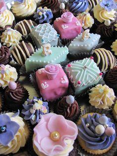 French Mini Cakes