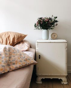 Small Space Living, Small Spaces, Deer Garden, Danish Style, Scandinavian Home, Floor Space, Dream Decor, Storage Boxes, House Tours