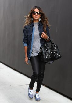 Looks com tenis, look rock chic, look fashion, autumn fashion, fashion outfits New Balance スニーカー, New Balance Outfit, Mode Outfits, Stylish Outfits, Fashion Outfits, Fashion Trends, Sneakers Fashion, Fashion Ideas, Sporty Outfits