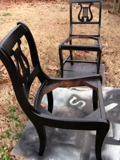 TUTORIAL Furniture redo with liquid sander (no sanding!) and spray paint.  Looks like something even I could do. #BlackChair #furnitureredo