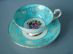 Vintage China Vintage Turquoise Teacup and Saucer by Paragon. Wedding Reception or Shabby Chic decor! China Cups And Saucers, Teapots And Cups, China Tea Cups, Teacups, Vintage Cups, Vintage Dishes, Vintage China, Party Set, Tea Party