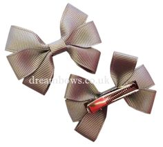Grey grosgrain ribbon hair bows on alligator clips from www.dreambows.co.uk #greyhairbows #schoolhairaccessories #girlsbows #greybows #schoolhairbows #schooluniform #style #fashion