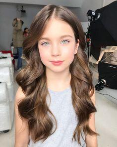 Beautiful Little Girls, Cute Little Girls, Beautiful Children, Beautiful Babies, Cute Kids, Pretty Eyes, Beautiful Eyes, Brown Hair Tones, Toddler Girls