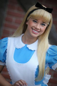 What I would do to become a face character in Disney world *daydreams*