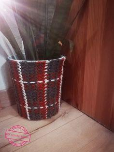 Crochet tartan Diy Crochet, Tartan, Organization, Canning, Home Decor, Organisation, Homemade Home Decor, Plaid, Interior Design