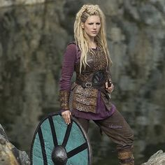 Wear your hair like Katheryn Winnick| read blog for more inspiring hair ideas|
