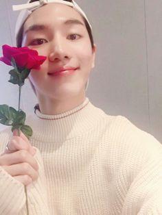 Kino is a smol bean Pentagon Kino, Survival, E Dawn, Triple H, Flower Boys, Cube Entertainment, Kpop, Vixx, Boyfriend Material