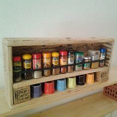 Étagère murale en bois de palette esprit récup