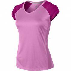 Het Miler SS V Neck van @Nike is een opvallend #hardloopshirt van Nike met een goed ademend vermogen. Tijdens uw gehele training blijft u comfortabel droog zodat u optimaal kunt presteren. #dws