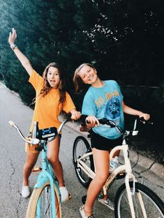 things to do yet this summer if you're bored 10 Cute Friend Pictures, Friend Photos, Cute Photos, Bff Pics, Family Pictures, Cute Friends, Best Friends, Shooting Photo Amis, Best Friend Fotos
