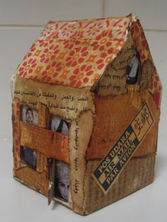 Sarah Pinyan posted Papier mache house to her -nice signs- postboard via the Juxtapost bookmarklet. Paper Mache Projects, Paper Mache Clay, Paper Mache Crafts, Art Projects, Clay Houses, Paper Houses, Art Houses, Origami, Deco Kids