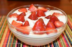 Como hacer fresas con crema estilo super ama de casa - http://cryptblizz.com/como-se-hace/como-hacer-fresas-con-crema-estilo-super-ama-de-casa/