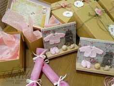 Σετ προσκλητήριο με μπομπονιέρα μαζί καδράκι Gift Wrapping, Gifts, Design, Decor, Gift Wrapping Paper, Presents, Decoration, Wrapping Gifts