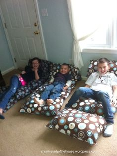 Detailed instructions to make pillow beds with yardage and removable pillows.