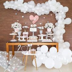 Cloud Baby Shower: Double Cuteness for Party - Anniversary Party - Bebe Cadeau Baby Shower, Idee Baby Shower, Girl Shower, Party Decoration, Balloon Decorations, Birthday Decorations, Baby Shower Decorations, Shower Party, Baby Shower Parties