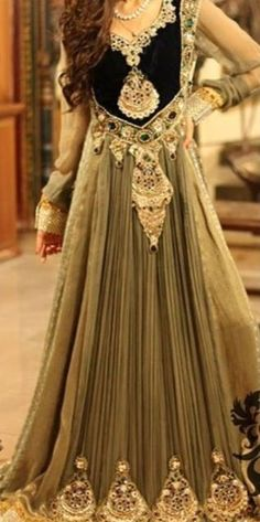 Floor Length Embroidered Anarkali Dress : Online Shopping, - Shop for great products from India with discounts and offers, Indian Clothes and Jewelry Online Shop Pakistani Couture, Pakistani Bridal, Pakistani Outfits, Pakistani Clothing, Bridal Lehenga, Tela Hindu, Anarkali Dress, Anarkali Suits, Black Anarkali
