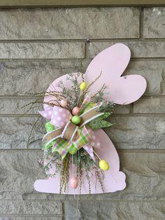 Easter door hanger, bunny door hanger, Easter wreath - Decoration For Home Bunny Crafts, Easter Crafts, Diy And Crafts, Crafts For Kids, Wood Crafts, Kids Diy, Easter Bunny Decorations, Easter Wreaths, Easter Decor