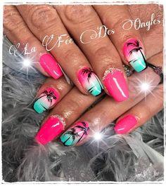 Nail art Christmas - the festive spirit on the nails. Over 70 creative ideas and tutorials - My Nails Cruise Nails, Vacation Nails, Jamaica Nails, Pretty Nails, Fun Nails, Hawaiian Nails, Palm Tree Nails, Beach Nails, Toe Nail Designs