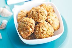 Oat and macadamia cookies. Healthy morsels that the kids will love.