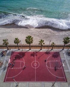 … Indem du am Strand trainierst - Inspiration at Cannes Lions - Basketball Nc State Basketball, Louisville Basketball, Basketball Finals, Street Basketball, Basketball Tricks, Basketball Is Life, Best Basketball Shoes, Basketball Pictures, Basketball