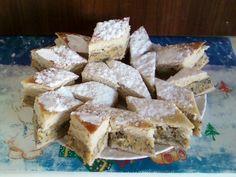 Placinta cu dovleac si mac - Culinar.ro Cupcake Cakes, Cupcakes, Romanian Food, French Toast, Bakery, Deserts, Mac, Sweets, Cheese