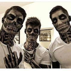I enjoy how the make-up is applied to the neck and hands – Halloween Costumes Halloween Meme, Guys Halloween Makeup, Couple Halloween Costumes, Halloween Cosplay, Male Makeup, Scary Makeup, Horror Make-up, Fantasias Halloween, Fantasy Makeup