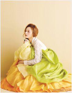 한복 Hanbok : love the fresh and bright colors. Korean Traditional Clothes, Traditional Fashion, Traditional Dresses, Korean Dress, Korean Outfits, Cute Korean, Korean Girl, Modern Hanbok, Oriental Dress