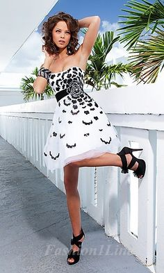 Pretty black and white Dress