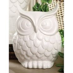 Owl vase!  The hidden gem I found at Winners! Bought it as a birthday gift for a friend who loves owls and I thought she could also use it at her wedding :)  I love when you find exactly what you are looking for, even when you don't know specifically what you are looking for.
