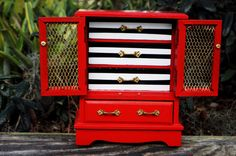"""Kate Spade Inspired Jewelry BoxKate Spade Inspired Jewelry Box hand painted jewelry box polka dots stripes gold colorful black white bold glitter sparkly DIY craft """"she leaves a little sprkle wherever she goes"""" quote style design painted furniture modern unique """"live colorfully"""" Kate Spade Inspired"""