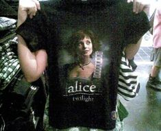 Alice Cullen, Alice Twilight, Twilight Saga, Twilight Outfits, Twilight Pictures, My Vibe, Tips Belleza, Photo Dump, Cool Outfits