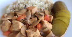 Gulasz z indyka z pieczarkami i papryką