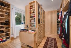 24+Jaw-Dropping+Walk-In+Closet+Designs+-+Page+5+of+5+-+Home+Epiphany