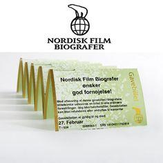 Gavekort til Nordisk Films biografer. Kun til billetter og brug i kiosken. Ikke sådan en samlet pakke med popcorn og sodavand, da dette ikke bliver brugt, så det er spild af penge.