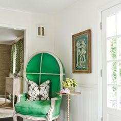 Some fabulous finds in the hottest trend this new year, emerald green! A must see! (img via melanie turner interiors)