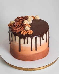 Ombre cake with salted caramel buttercream, chocolate sponge and a chocolate ganache drip! : cakedecorating Cake Decorating Frosting, Cake Decorating Designs, Creative Cake Decorating, Cake Decorating Videos, Easy Cake Designs, Chocolate Cake Designs, Chocolate Ganache Cake, Salted Caramel Cake, Chocolate Sponge