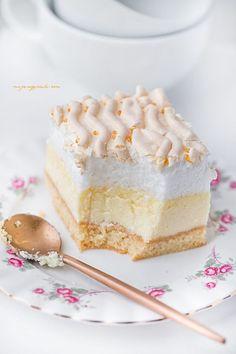 Sernik z rosą   Moje Wypieki Cottage Cheese Recipes, Polish Recipes, Pavlova, Meringue, Cheesecakes, Vanilla Cake, Latte, Sweets, Gastronomia