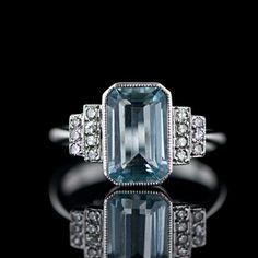 I love art deco!! | Aquamarine Art Deco Ring