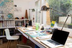 Le bureau situé au sous-sol Office Decor, Home Office, Basement Bar Designs, Stationery Companies, Bureau Design, Home Budget, Stair Storage, Piece A Vivre, Desk Setup