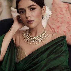 Diwali shopping, what to buy? Indian Fashion Bloggers, Indian Fashion Dresses, Indian Designer Outfits, Lehenga Saree Design, Lehenga Style, Indian Wedding Outfits, Indian Outfits, Komal Pandey, Cotton Saree Designs