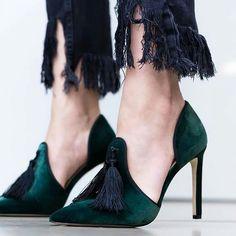 those greens http://feedproxy.google.com/fashionshoes1