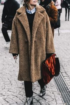 In love with this cashmere camel coat! So cozy, right?
