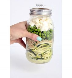Mason jars healthy lunches, lean lunches, healthy meals for one, he Mason Jar Lunch, Mason Jar Meals, Meals In A Jar, Mason Jars, Healthy Meals For One, Make Ahead Meals, Easy Healthy Recipes, Healthy Snacks, Healthy Eating