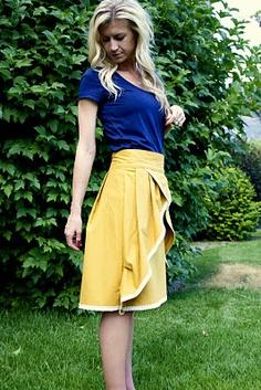 Pretty pinwheel skirt DIY. I also love how those colors go together.