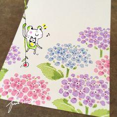 富山の梅雨入りはまだのようだけど、あじさいが咲いてきているのを目にするようになってきました♪毎年、教室用図案としていろいろなあじさいを作り続けていますが... Stamp Printing, Printing On Fabric, Paper Art, Paper Crafts, Eraser Stamp, Block Painting, Stamp Carving, Handmade Stamps, Plant Drawing